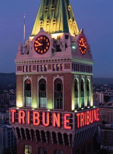 tribune aglow