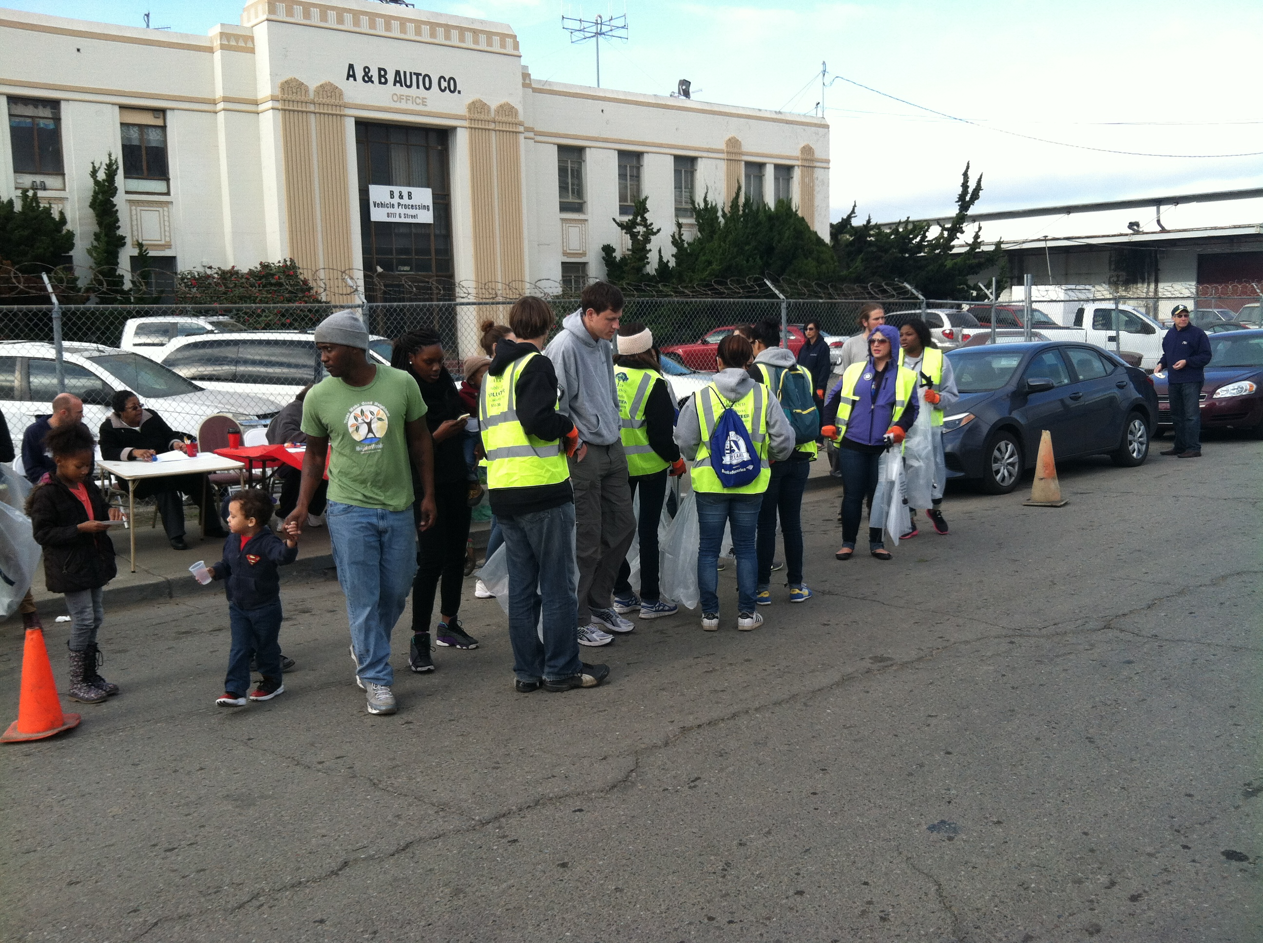 Clean-up volunteers get to work